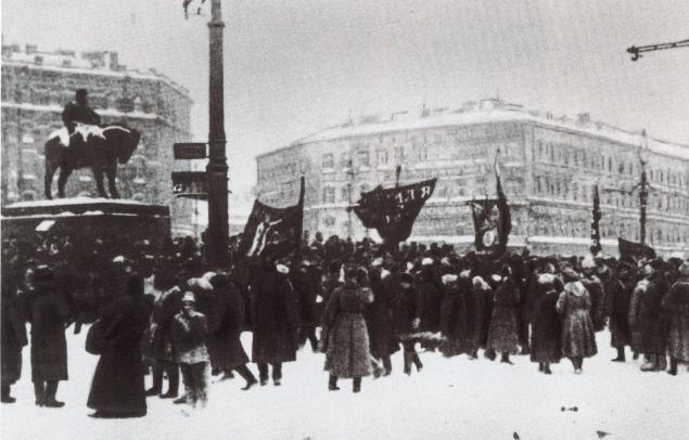 12-1917russiapetrogradznamenskayasquare