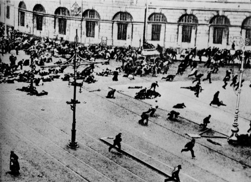 32-1917petrogradprotestersnevskiiprospectfleearmy