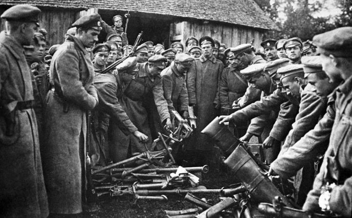 37-1917russia-kornilovaffair-rian