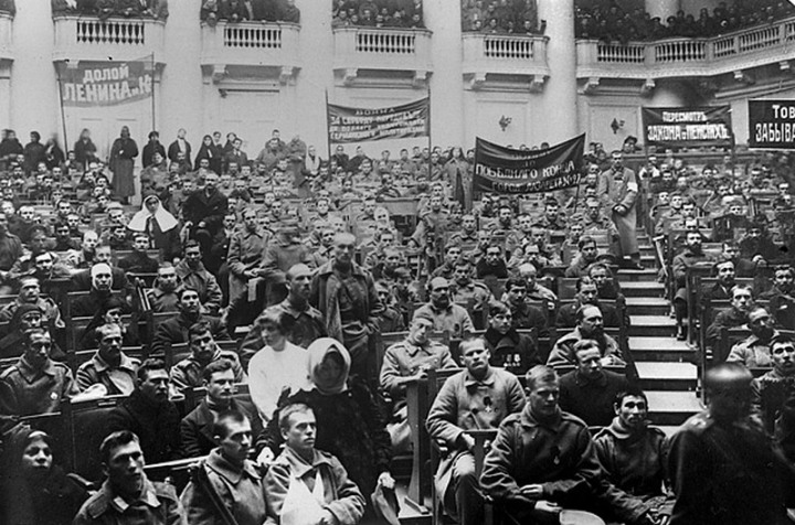 40-octoberrevolution-meeting-petrograd-soviet-22-october-1917